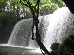 うらみ(裏見)の滝01.jpg